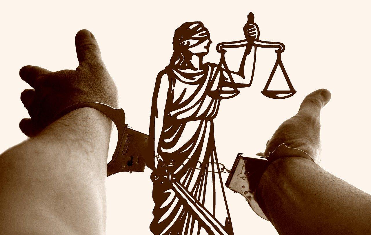 Zatrzymanie i przesłuchanie – dlaczego warto mieć adwokata.