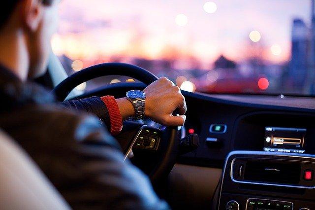Zatrzymanie prawa jazdy – kiedy policja zatrzyma prawo jazdy?