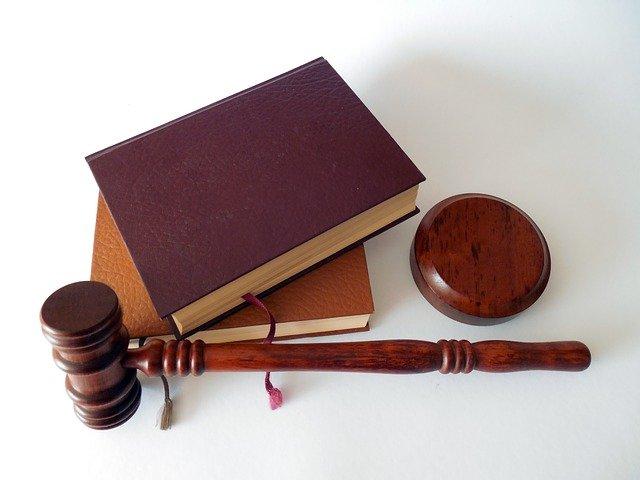 Warunkowe zawieszenie kary – czym jest i kiedy może być stosowane?